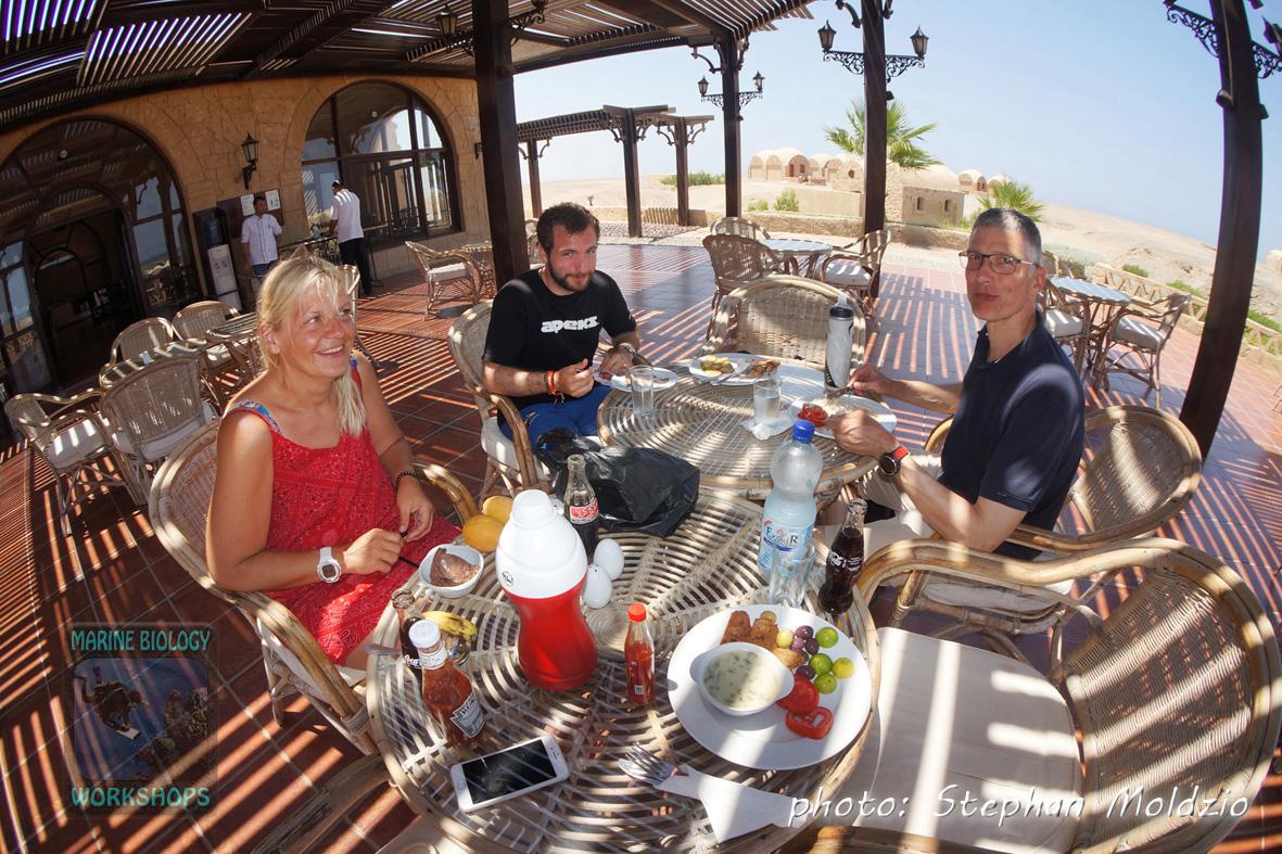 Lunch at Marsa Nakari